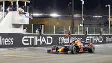 Verstappen cruises to Abu Dhabi Grand Prix victory