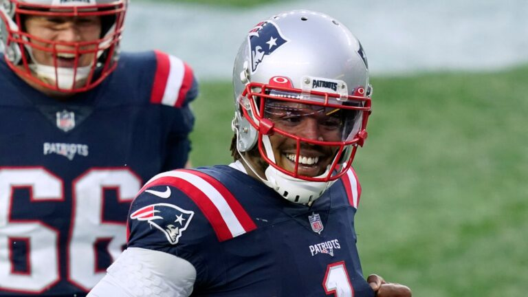 Patriots re-signing Cam Newton on one-year deal