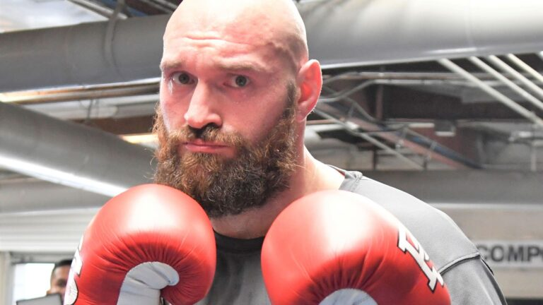 'Fury must fight soon – with or without AJ'