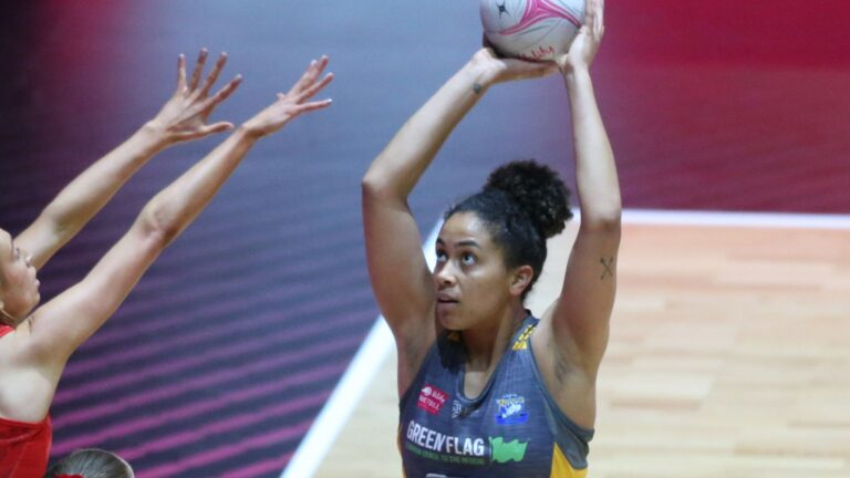 Dixon and Adio join Vitality Roses full-time programme